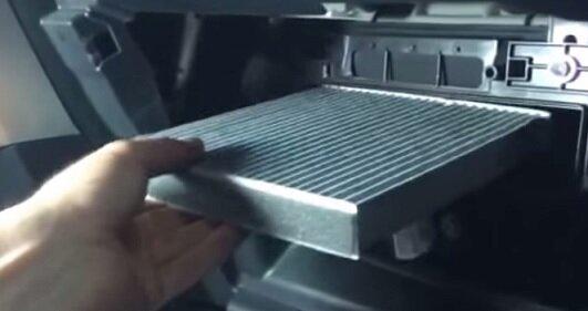 замена салонного фильтра мазда сх 5